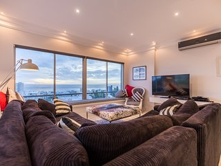 Newly renovated apartment with panoramic mountain and seaviews - Fresnaye vacation rentals