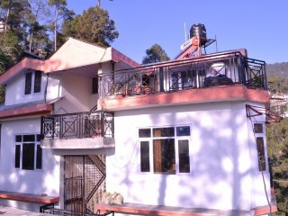 Homely stay ideal for a close-knit group of friends - Shimla vacation rentals