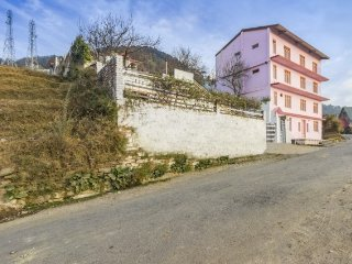 Well-appointed stay, close to Chail Palace - Shimla vacation rentals