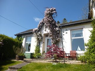 Sailor's Rest a Romantic Victorian Cottage with Stunning Sea Views - Innellan vacation rentals