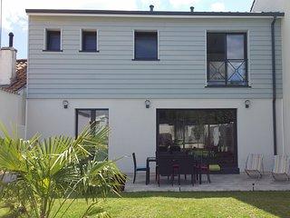 Belle maison neuve climatisée à Bordeaux - Merignac vacation rentals