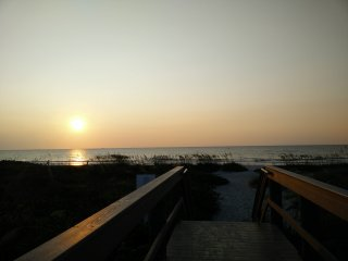 DREAM OF COCOA BEACH CONDO IN OCEANFRONT COMPLEX - Cocoa Beach vacation rentals