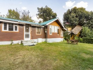 Well-furnished 3-bedroom cabin-style cottage - Manali vacation rentals