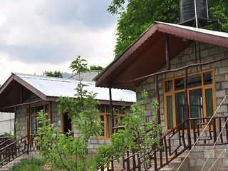 Quiet abode in a stone cottage, for a tranquil vacation - Manali vacation rentals