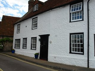 Historic four bedroom Cottage overlooking the beautiful East dean Green - East Dean vacation rentals