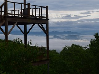 Spectacular Mountain Views with a Diner Setting - Asheville vacation rentals