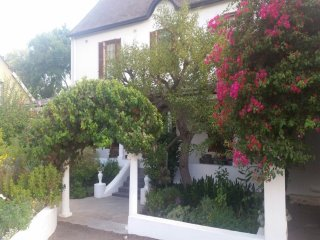 Lovely Guest house in Montagu with Deck, sleeps 12 - Montagu vacation rentals