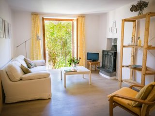 Lovely Condo with Internet Access and Washing Machine - Castelveccana vacation rentals