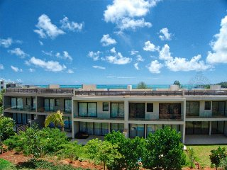 AZFO 3BR beach-view apartment in Roches Noires - Roches Noire vacation rentals