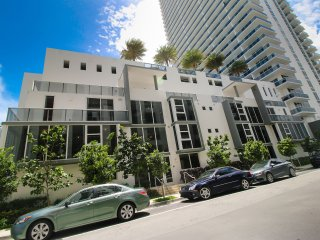 4 Bedroom Luxury Town House walk to Wynood Walls - Coconut Grove vacation rentals
