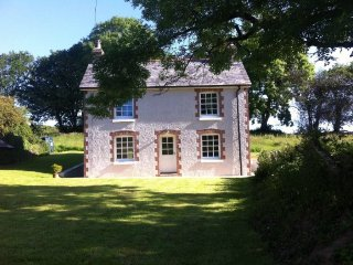Harraton Cottage, near Modbury. Recently renovated! Great for families and dogs - Modbury vacation rentals