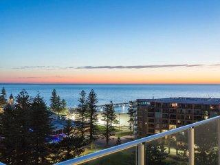 Unwind * Penthouse Perfection - Glenelg vacation rentals