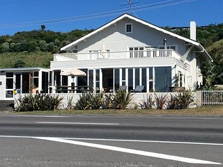 Sea side expansive holiday home - set the sea ,backed by the hills. - Gisborne vacation rentals