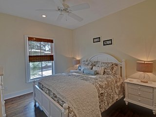 Seaside 3 BR 3 bath Cottage 4 minute walk to beach 2 mins to pool from $115nt - Seacrest vacation rentals