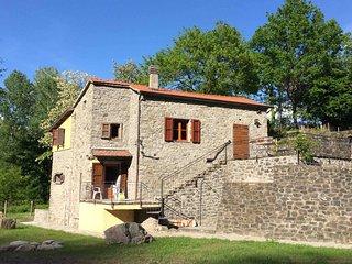3 bedroom House with Parking in Pontremoli - Pontremoli vacation rentals