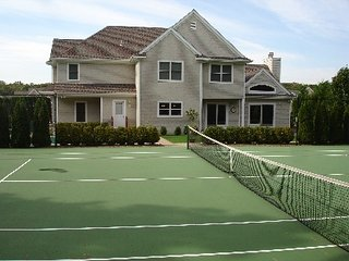 Nice House with Fireplace and Tennis Court - Quogue vacation rentals