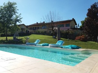 Villa Piemonte mit  Pool in den Weinbergen - Tigliole vacation rentals