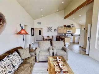 Perfect Condo with Garage and Parking - Moab vacation rentals