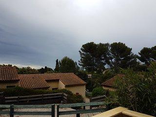 Au coeur d'un parc boisé, résidence avec piscine, villa 2 pièces  + mezzanine - Golfe-Juan Vallauris vacation rentals