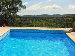 Large villa with panoramic views for 12 people with pool and large garden - Carces vacation rentals