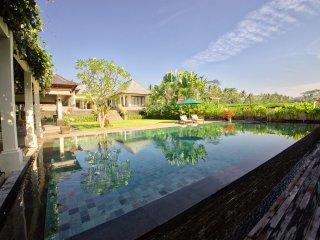 Luxury four bedroom private villa Malabar House Ubud - Kenderan vacation rentals