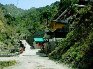 Beautiful 5 bedroom Resort in Solan - Solan vacation rentals