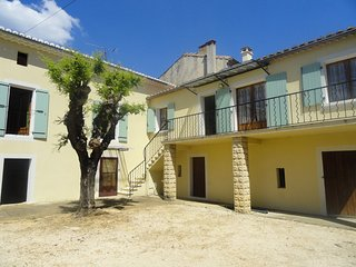 Perfect House with Washing Machine and Balcony - Saint-Laurent-La-Vernede vacation rentals