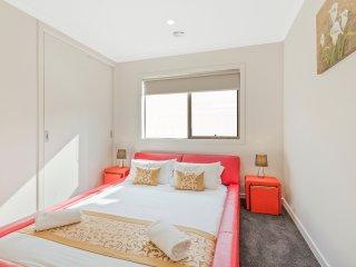 SKODA CIRCUIT VILLA - Modern& Stylish - Point Cook vacation rentals