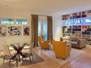 Art collector living in Midtown - Atlanta vacation rentals