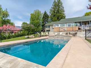 Dog-friendly w/private infinity pool and hot tub & amazing lake, mountain views! - Manson vacation rentals