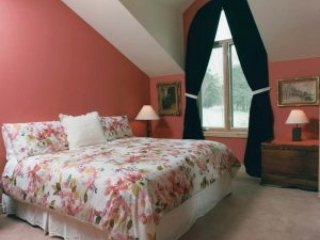 Chalet Claremont - King's Room - Pickering vacation rentals