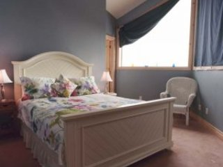 Cozy 1 bedroom Bed and Breakfast in Pickering - Pickering vacation rentals