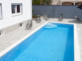 Villa Daniel! Beautiful!!Private Pool/Yard/Playground!Gym/Recreation Room! - Pula vacation rentals