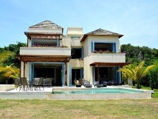 Spectacular  5 bedroom home in Barú - Isla Baru vacation rentals