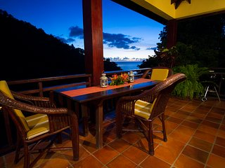 VILLA POMME D'AMOUR  GREAT VIEWS OF THE OCEAN A 3 MINUTE WALK TO A SECLUDED COVE - Marigot Bay vacation rentals