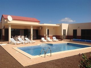 Luxury Inland Villa - Triquivijate - Triquivijate vacation rentals