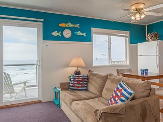 Weatherly - 1 BD, beachfront, kitchen, fireplace - Lincoln City vacation rentals