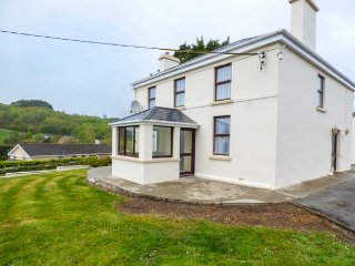 ARD NA GREINE, detached house, lovely views, enclosed garden, in Union Hall - Union Hall vacation rentals