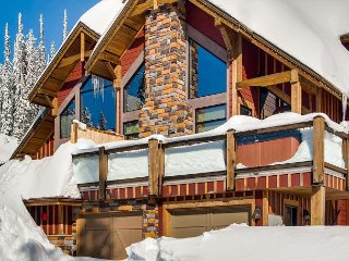 Grizzly Ridge #1 Upper Snowpine Location Sleeps 9 - Big White vacation rentals