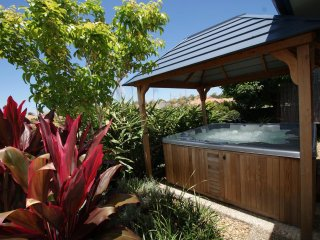 Anaheim Twin Home 1 | HOT OUTDOOR SPA | by Getastay - Upper Coomera vacation rentals