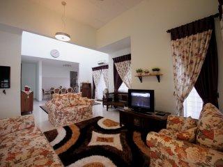 Spacious and Cozy Vacation Home - Senawang vacation rentals