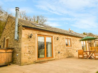 3 PHEASANT LANE, detached cottage, hot tub, countryside views, in Bolsterstone - Stocksbridge vacation rentals