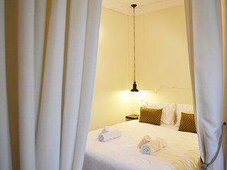 Beautiful Suites in Neve Tzedek - Tel Aviv vacation rentals