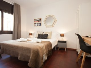 Apartment next to Barcelona Fair - Gran Via - L'Hospitalet de Llobregat vacation rentals