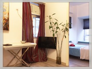 Mong Kok MTR/Ladies Market/Langham Place/2Bdr/Newly Renovated & Cozy/女人街/朗豪坊 - Hong Kong vacation rentals