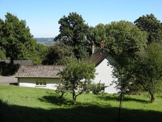 Self Catering Studio Flat on Beautiful Devon Farm - Stockland vacation rentals
