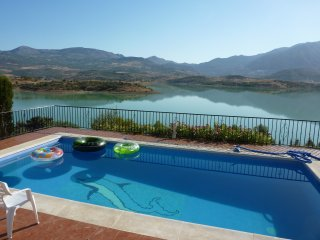 Beautiful Villa with Stunning Views of Lake Viñuela And The Mountains Beyond - Los Romanes vacation rentals