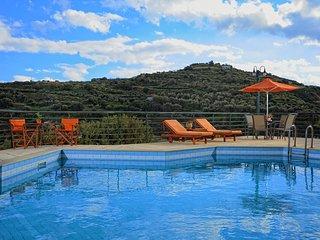 ESTATE KARES-VILLA  ATHENA - Heraklion Prefecture vacation rentals