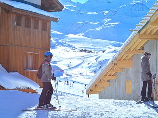 Nice Condo with Internet Access and Balcony - Val Thorens vacation rentals