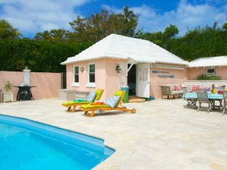 Idyllic★Poolside Cottage★Beach/Ham. 5min★King★Central★Your Very Own Paradise!! - Paget vacation rentals